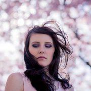 Frühlingsportrait während der Kirschblüte