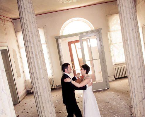 Brautpaar tanzt im Kurhaus von Bad Liebenstein