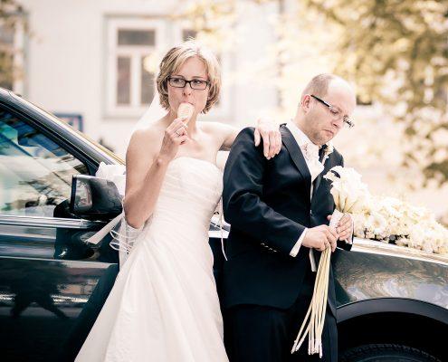 witziges Hochzeitsbild entstanden in Arnstadt bei Erfurt