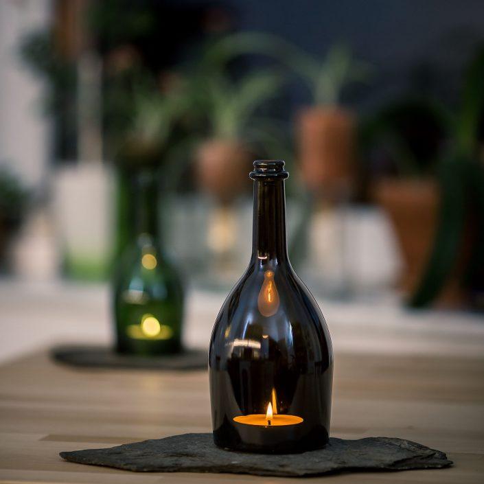 Deko Teelichtlampe bestehend aus Flache und Schieferplatte