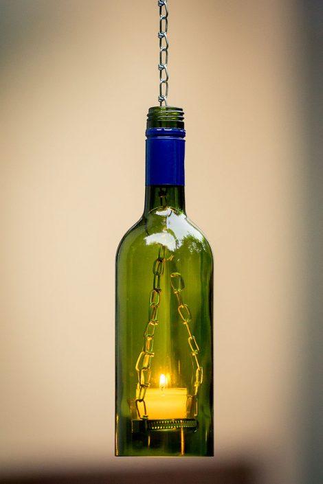 Ambientelampe mit Teelicht aus einer Weinflasche