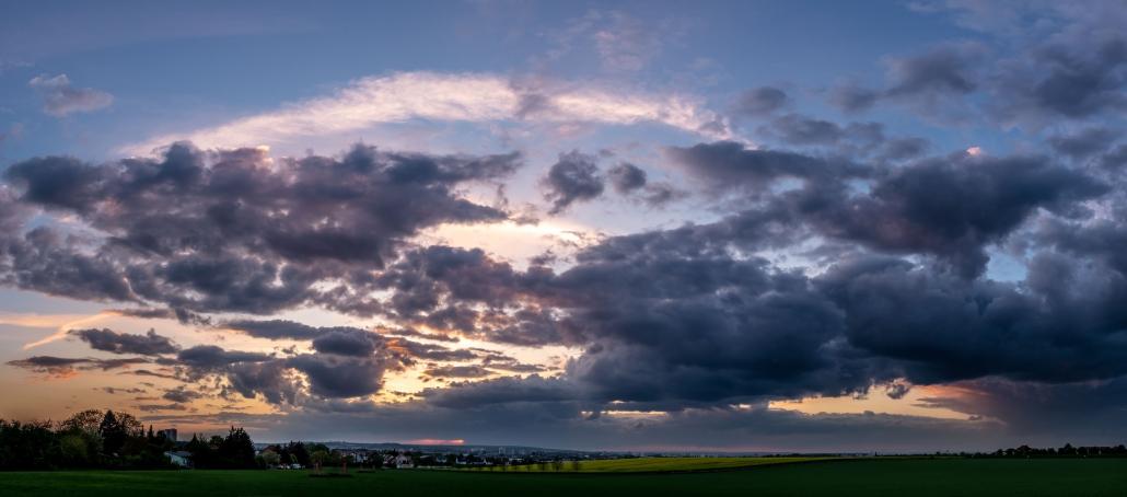 Sonnenuntergang als Panorama über Erfurt