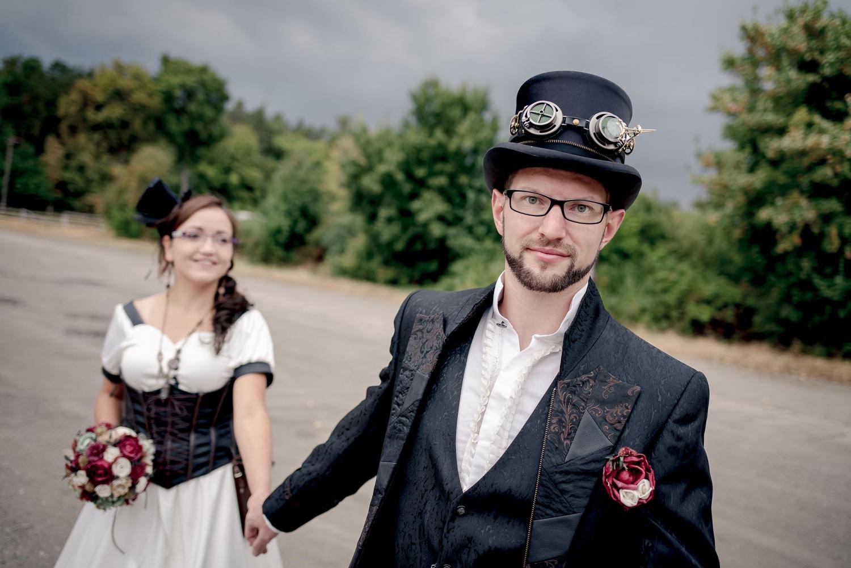 modernes Brautpaar Steampunk Portrait