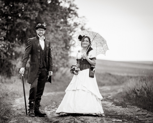 Im Regen: Steampunk After Wedding Shooting
