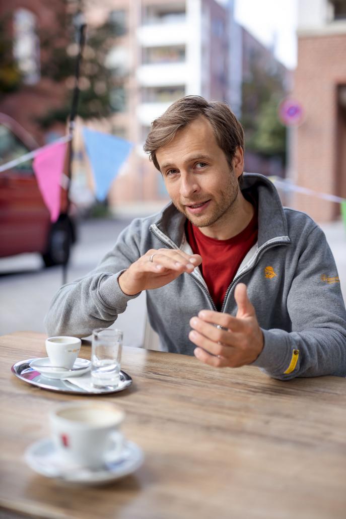 in Erfurt auf einen Kaffee mit Schauspieler Thomas Stier Koch fotografiert mit der Canon EOSR & Sigma Art 50mm f1.4
